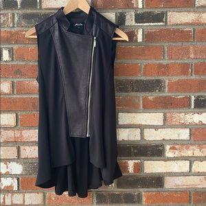 Black vest 🖤